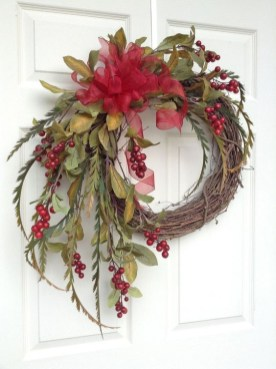 Diy christmas wreath ideas to decorate your holiday season 53
