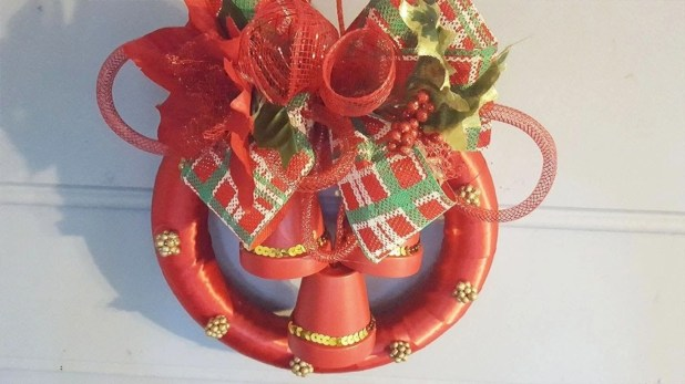 Diy holiday projects using dollar store ornaments 53