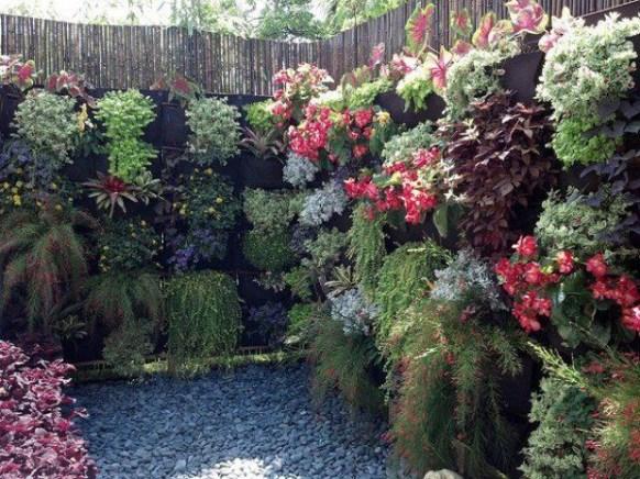 Inspiring vertical garden ideas for your small space 08