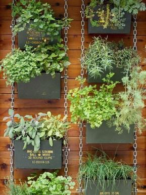 Inspiring vertical garden ideas for your small space 35