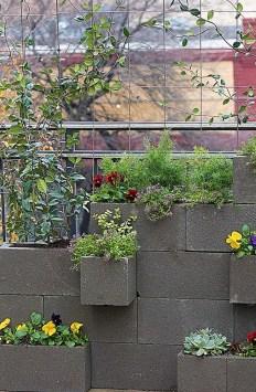 Inspiring vertical garden ideas for your small space 57