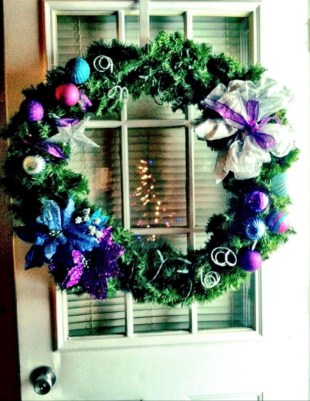 On a budget diy christmas wreath to deck out your door 07