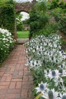 Pathway design ideas for your garden 49