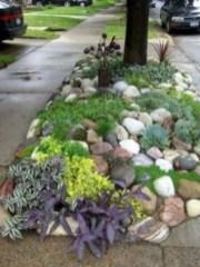 Simple rock garden decor ideas for your backyard 31