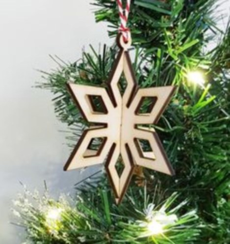 Ways to decorate your home with snowflakes and baubles 18