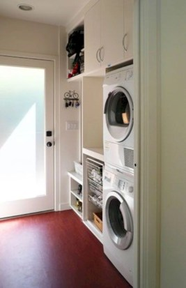 Beautiful and functional small laundry room design ideas 08