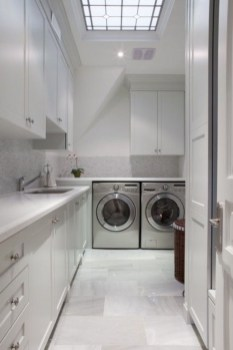 Beautiful and functional small laundry room design ideas 10