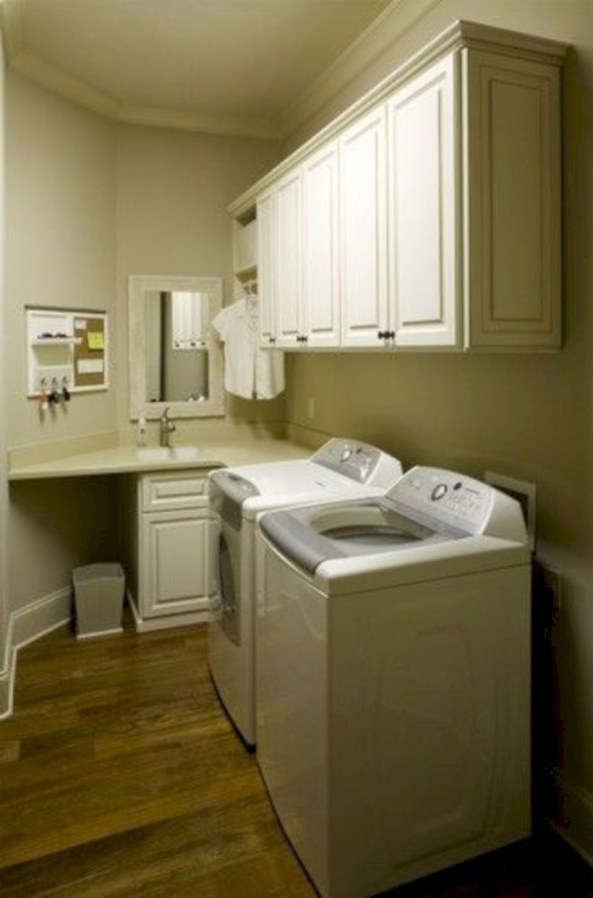Beautiful and functional small laundry room design ideas 35