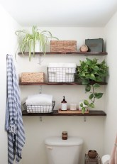Built-in bathroom shelf and storage ideas to keep your bathroom organized 23