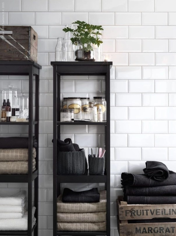 Built-in bathroom shelf and storage ideas to keep your bathroom organized 51