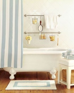 Hanging bathroom storage ideas to maximize your small bathroom space 03