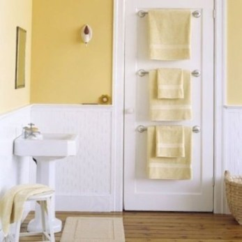 Hanging bathroom storage ideas to maximize your small bathroom space 09