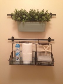 Hanging bathroom storage ideas to maximize your small bathroom space 48