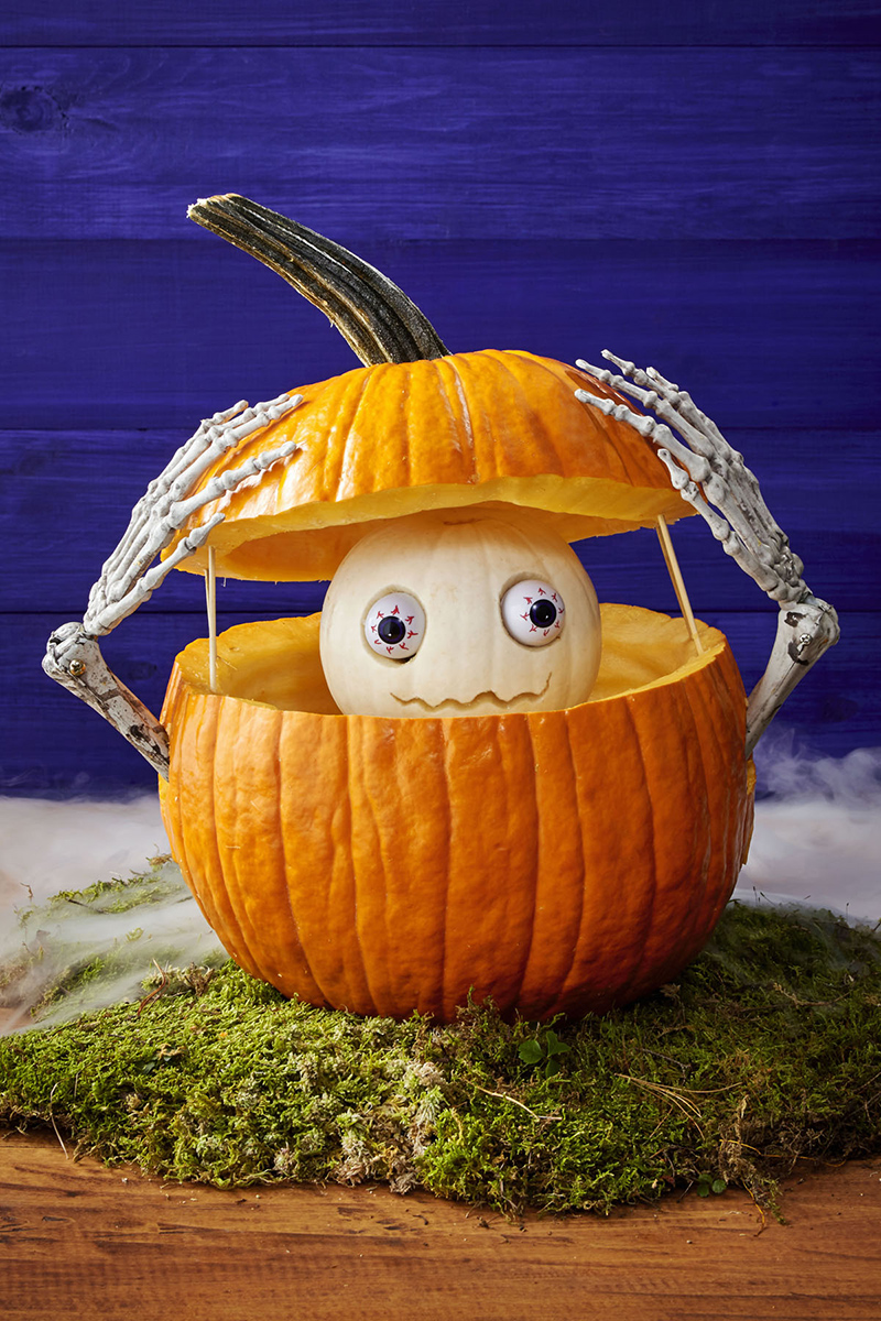 Peekaboo Curved Pumpkin
