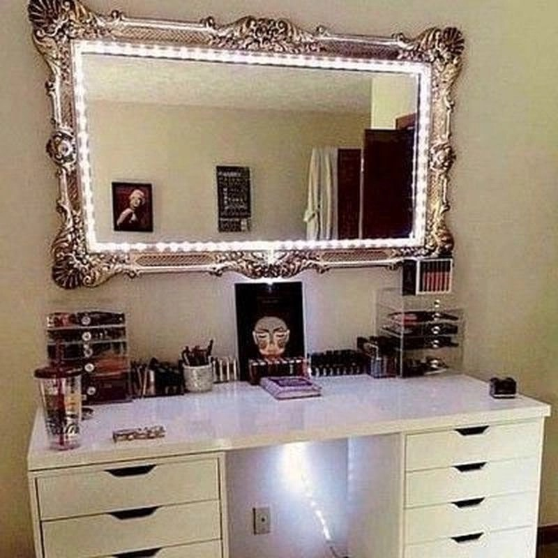 25 Diy Vanity Mirror Ideas To Beautify, Make Your Own Vanity Mirror With Lights