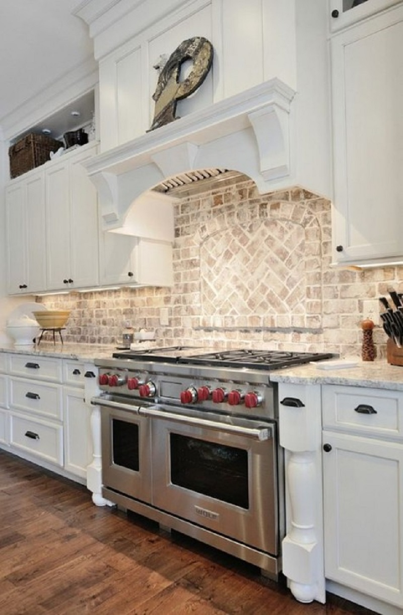 Whitewashed And White Brick Backsplashes To Add Texture In The Kitchen Godiygo Com
