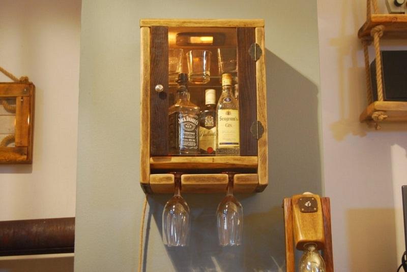 Hanging mini bar