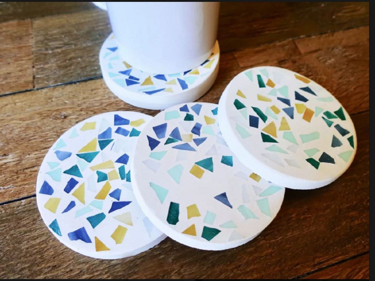Modern mosaic coasters Most-Wanted Mosaic Projects Where Any One Want To Try At Home