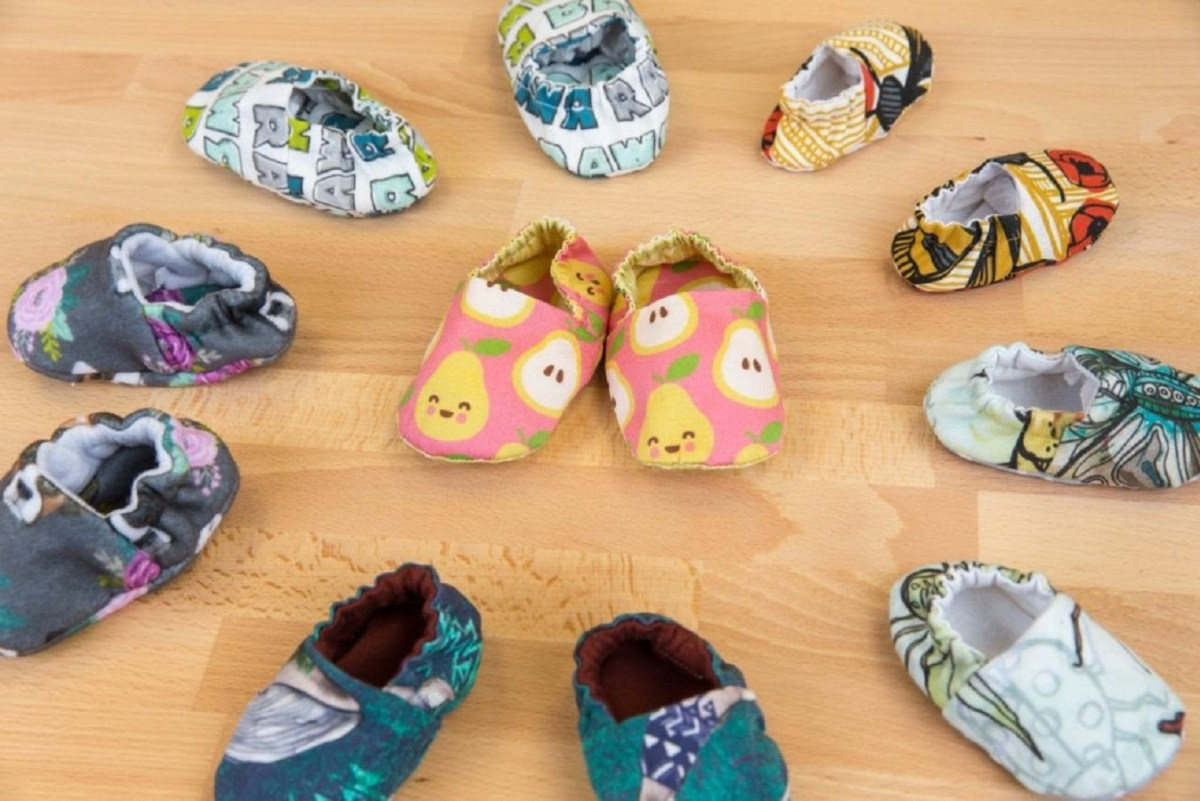 Baby shoes Thoughtful DIY Baby Shower Gift Ideas You Can Do That Any Mother Would Love