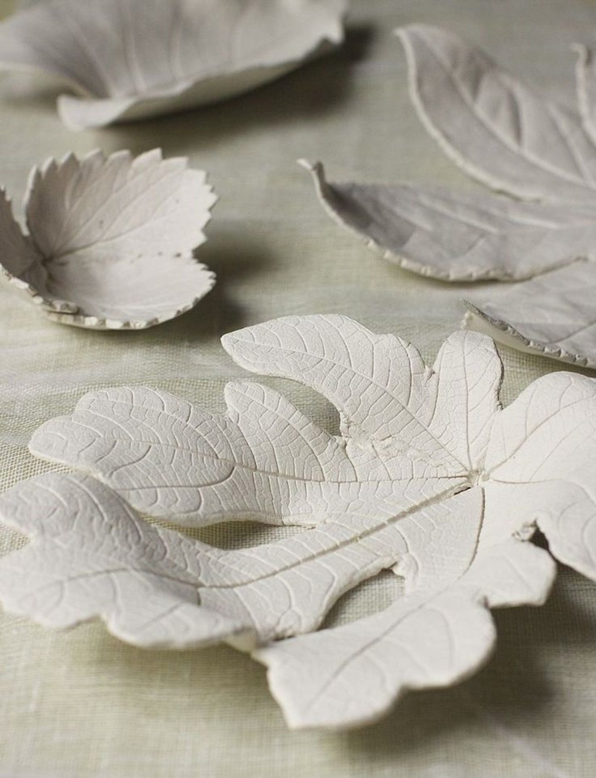 Clay leaf bowls DIY Numerous Elegant Ways To Decorate With Leaf This Fall