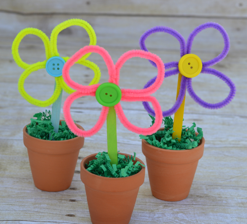 Colorful and bright pipe cleaner flowers DIY Inspire Flower Crafts Ideas Your Kids Can Create With Or Without You