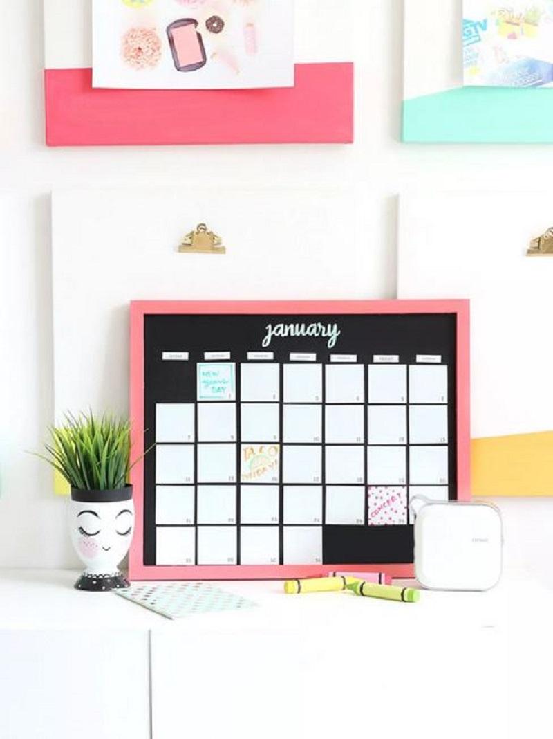 Magnetic calendar diy