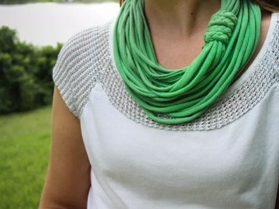 T-shirt infinity scarf
