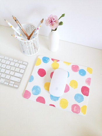 Confetti mouse pad DIY Never Boring Mouse Pad Ideas With Simple Materials