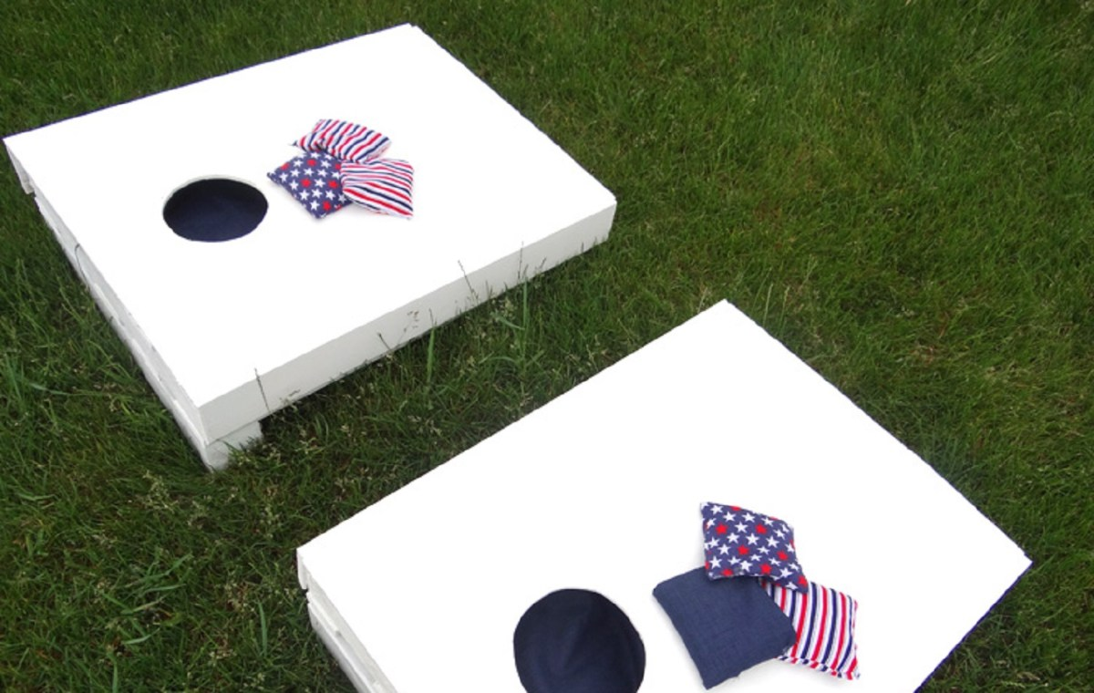 Cornhole set from a pallet DIY Cornhole Board Plans You Can Create Now For Your Backyard