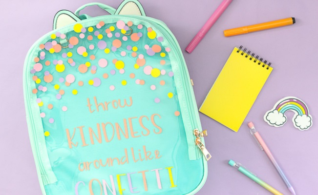 Diy customized vinyl backpack for kids DIY Spectacular DIY Bags And Pouches Of Clear Vinyl You Can Create Know