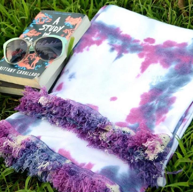 Diy fringe tie dye blanket