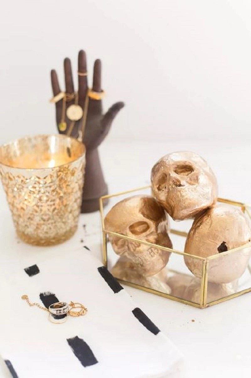 Decorative gold skulls diy