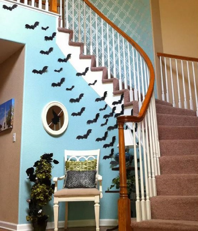 Flying paper bats for halloween decoration