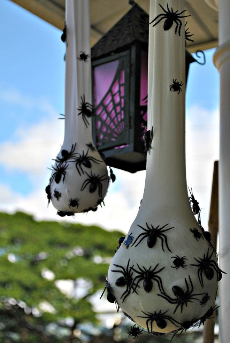 Halloween decor with spiders