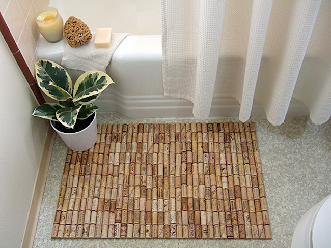Wine cork bath mats DIY Spa-Like Bathroom Mat Ideas That Made Of Nature Materials.