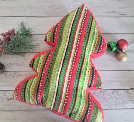 Christmas tree pillow DIY Adorable Christmas Pillows To Liven Up Your Home This Year