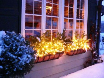 Christmas-window-lights-decoration