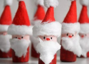 Cork red santa