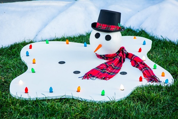 Diy melted snowman Homemade Outdoor Decoration Ideas To Complete Your Christmas Celebration