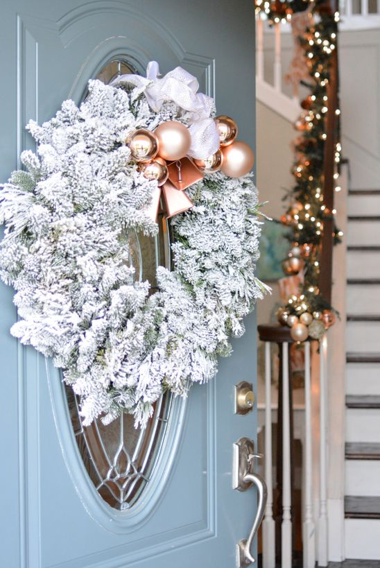 Diy rose gold wreath DIY Rose Gold Christmas Décor Projects To Bring Glam And Shine To Your Holidays