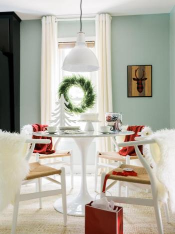 Dining space decoration for christmas