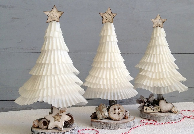 Paper cupcake holiday tree decoration Bewitching Winter Paper Craft Ideas To Let Your Home Full Of Christmas Joy