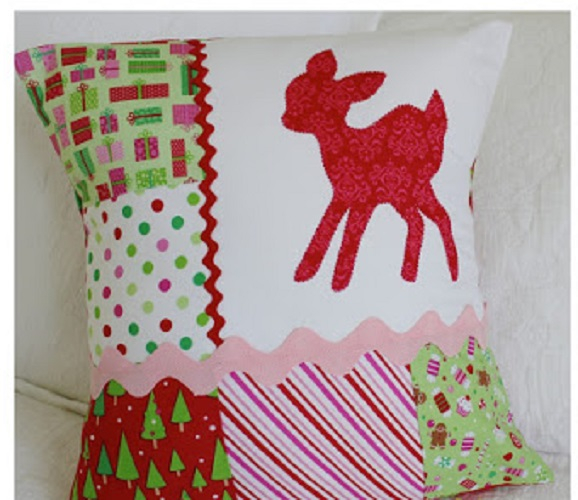 Scrappy christmas cushion DIY Adorable Christmas Pillows To Liven Up Your Home This Year