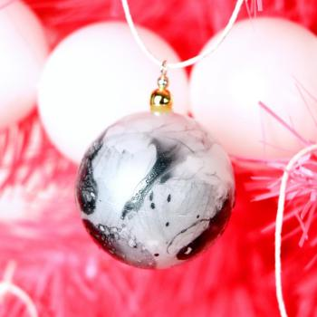 Trendy marbled ping pong ball