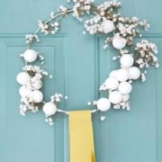 Conspicuous DIY Christmas Wreaths To Offer You A Captivating Decoration