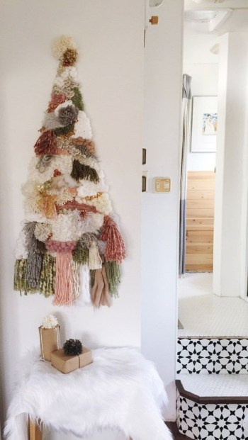 Yarn christmas tree on the wall