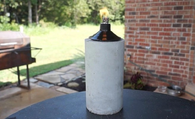 Diy concrete tiki torch DIY Simple And Warm DIY Mini Tabletop Fire Pit That Perfect For Small Spaces