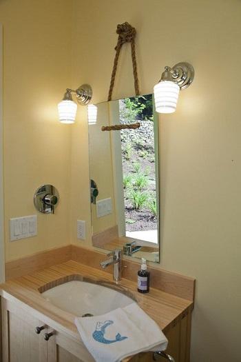 Bathroom with diy mirror Exhilarating DIY Ideas To Create Amazing Look For Bathroom