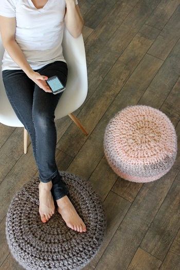 Diy crocheted foot rest Stylish Comfortable DIY Project For Your Entertaining Living Room