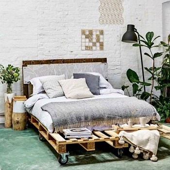 Make a pallet bed Funny Weekend DIY Project To Keep You Out Off Boring